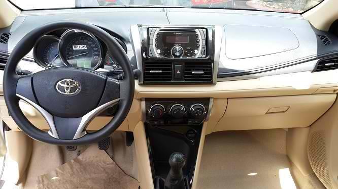Khoang lái Toyota Vios 2016
