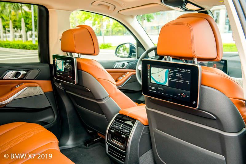 Hàng ghế thứ 2 BMW X7 2019