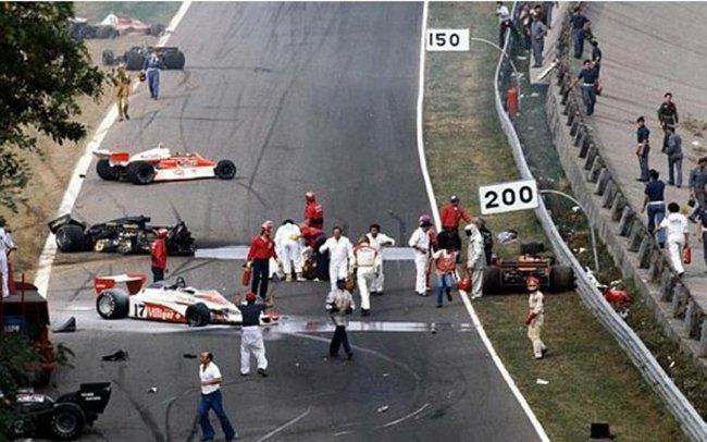 Vụ tai nạn tại giải Italian Grand Prix 1978 - Ảnh: gforcef1.wordpress.com