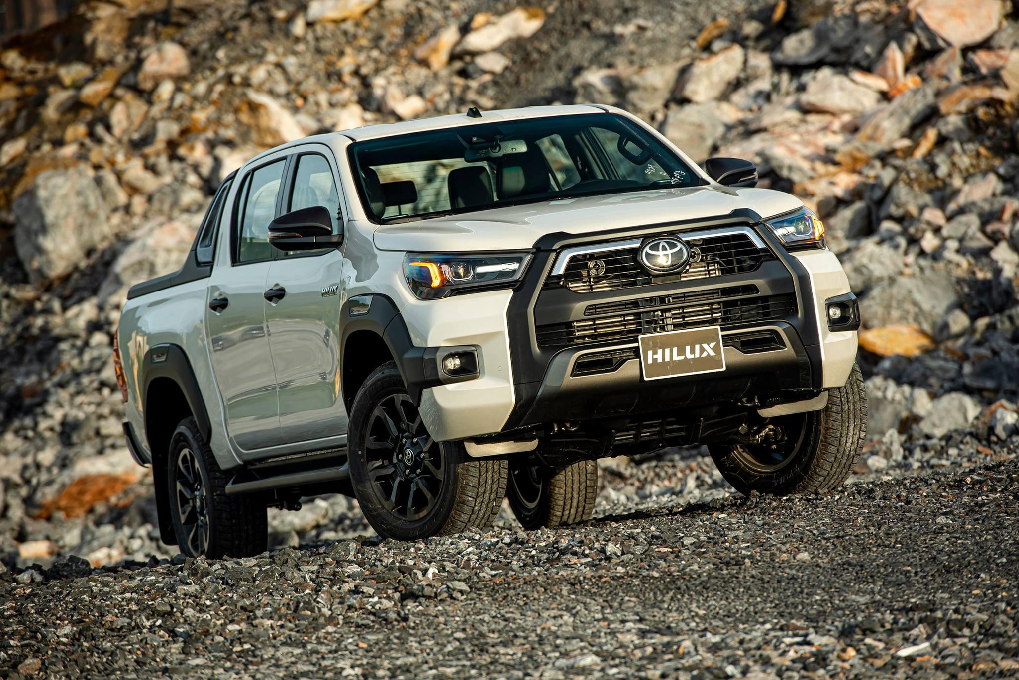 Toyota Hilux 2021: Thiết kế và khả năng vận hành